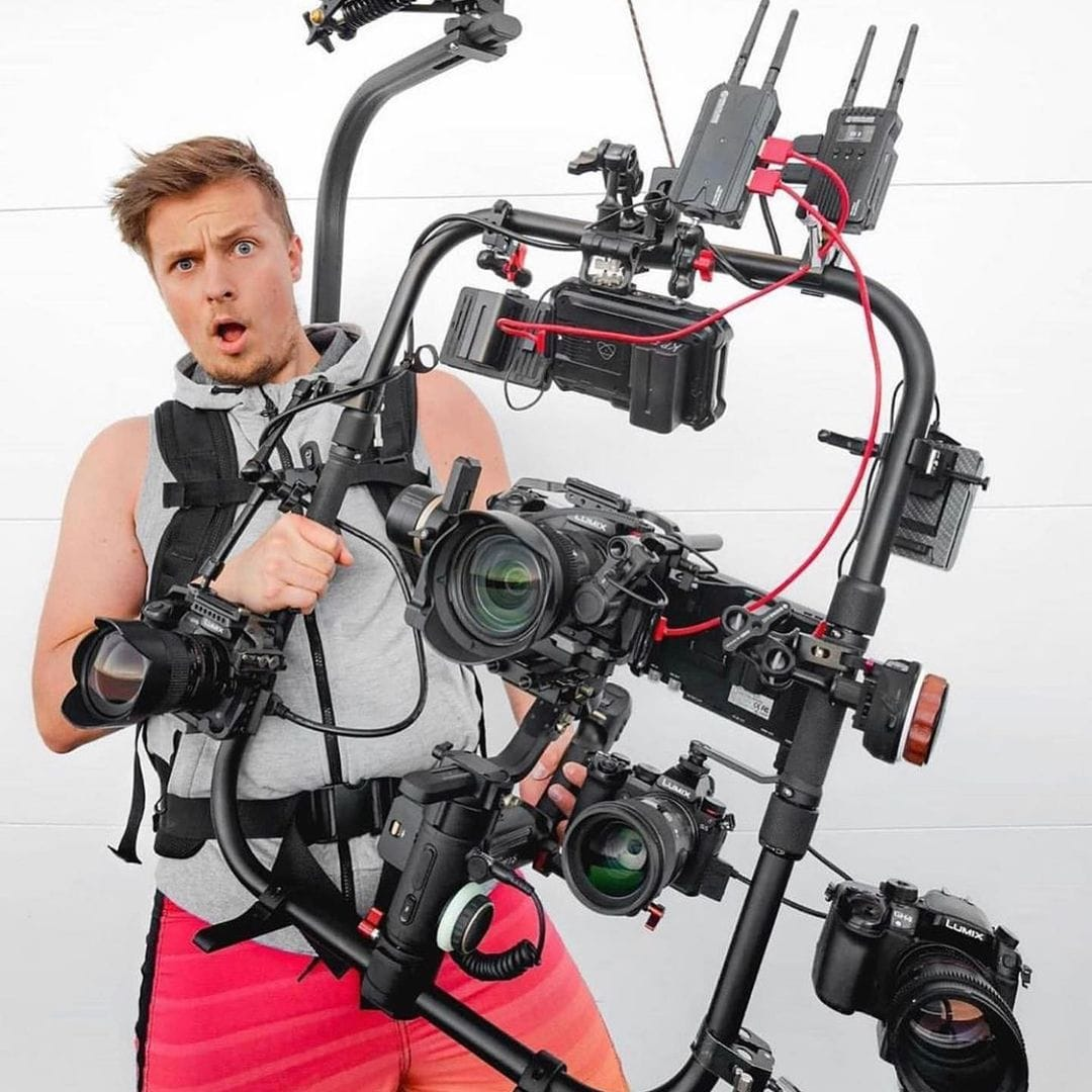Have you ever seen a crazier setup than @kwasnikpictures ?🧐 🎥 Crazy Setup Featuring: